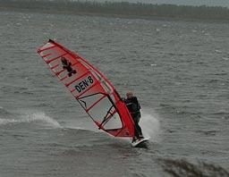 Godt med vind i Hullet 3/10 2009