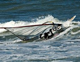 Ole fanget i bølgerne i Kikhavn