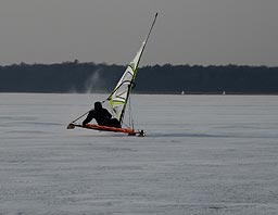 Iceboat on lake Arresø 23/1 2010
